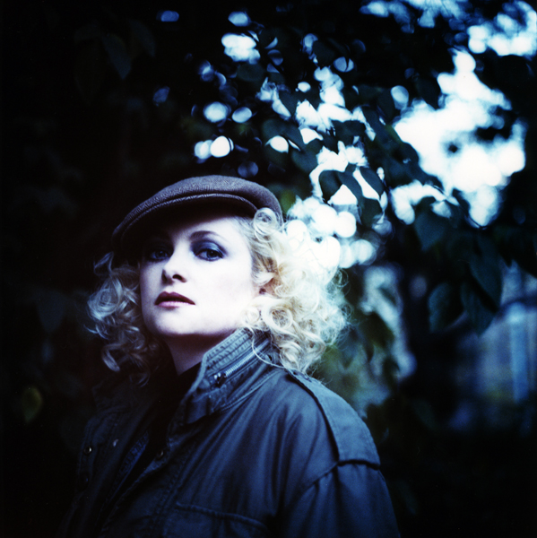 http://joedilworth.com/files/gimgs/5_goldfrapp-0200-2.jpg
